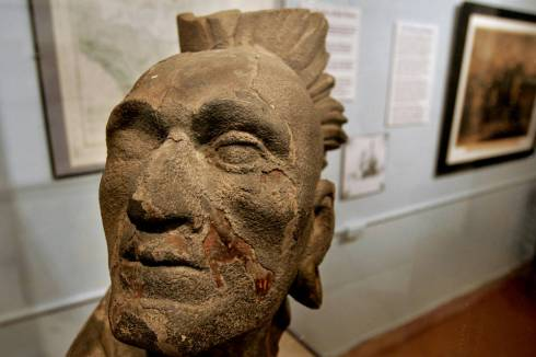 Squanto sculpture at Pilgrim Hall Musuem in Plymouth, Mass. (Credit: Wall Street Journal)